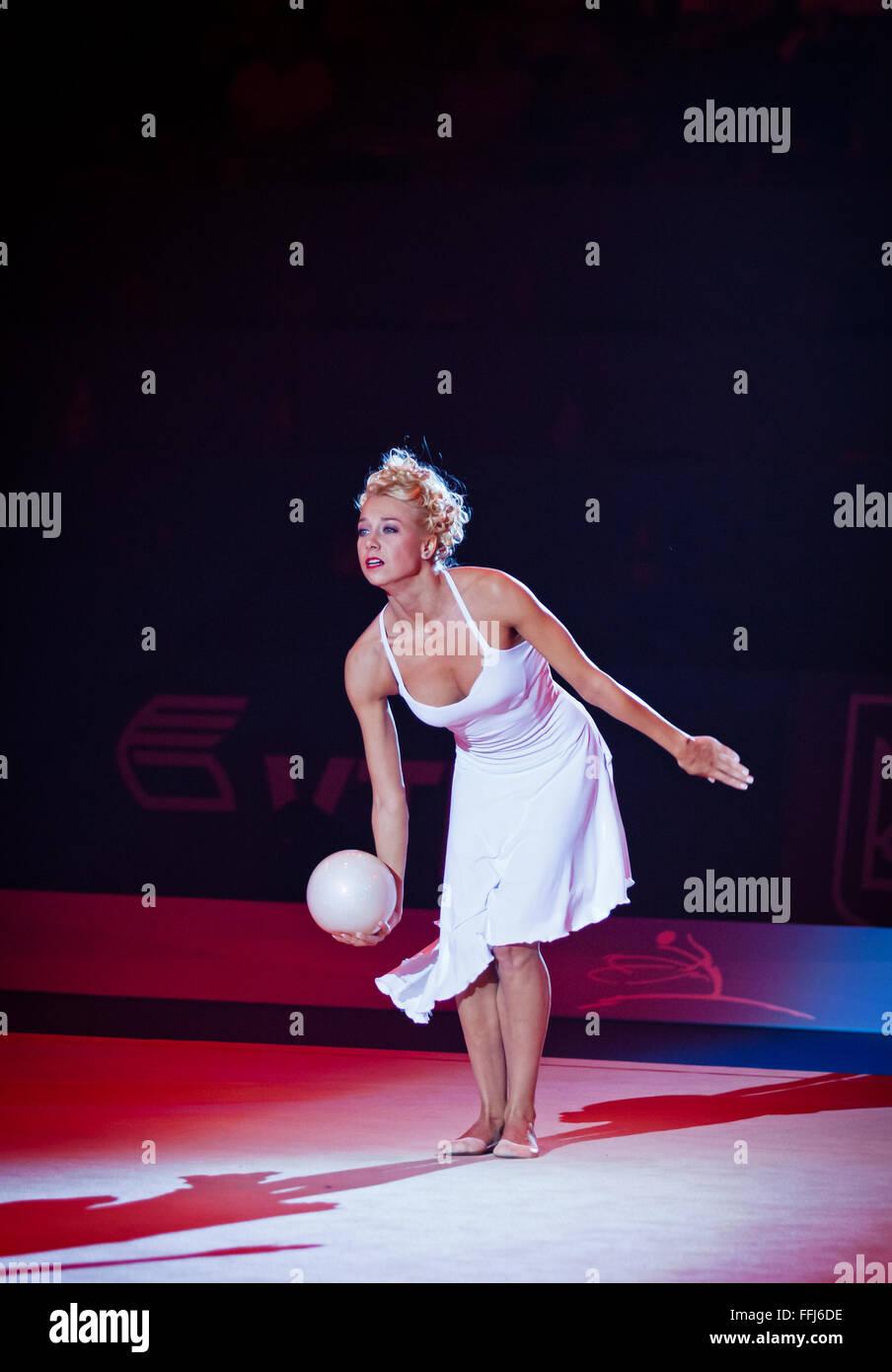 KYIV, UKRAINE - SEPTEMBER 1, 2013: Natalia Godunko, former Ukrainian gymnast performs during Gala concert at 32nd - Stock Image