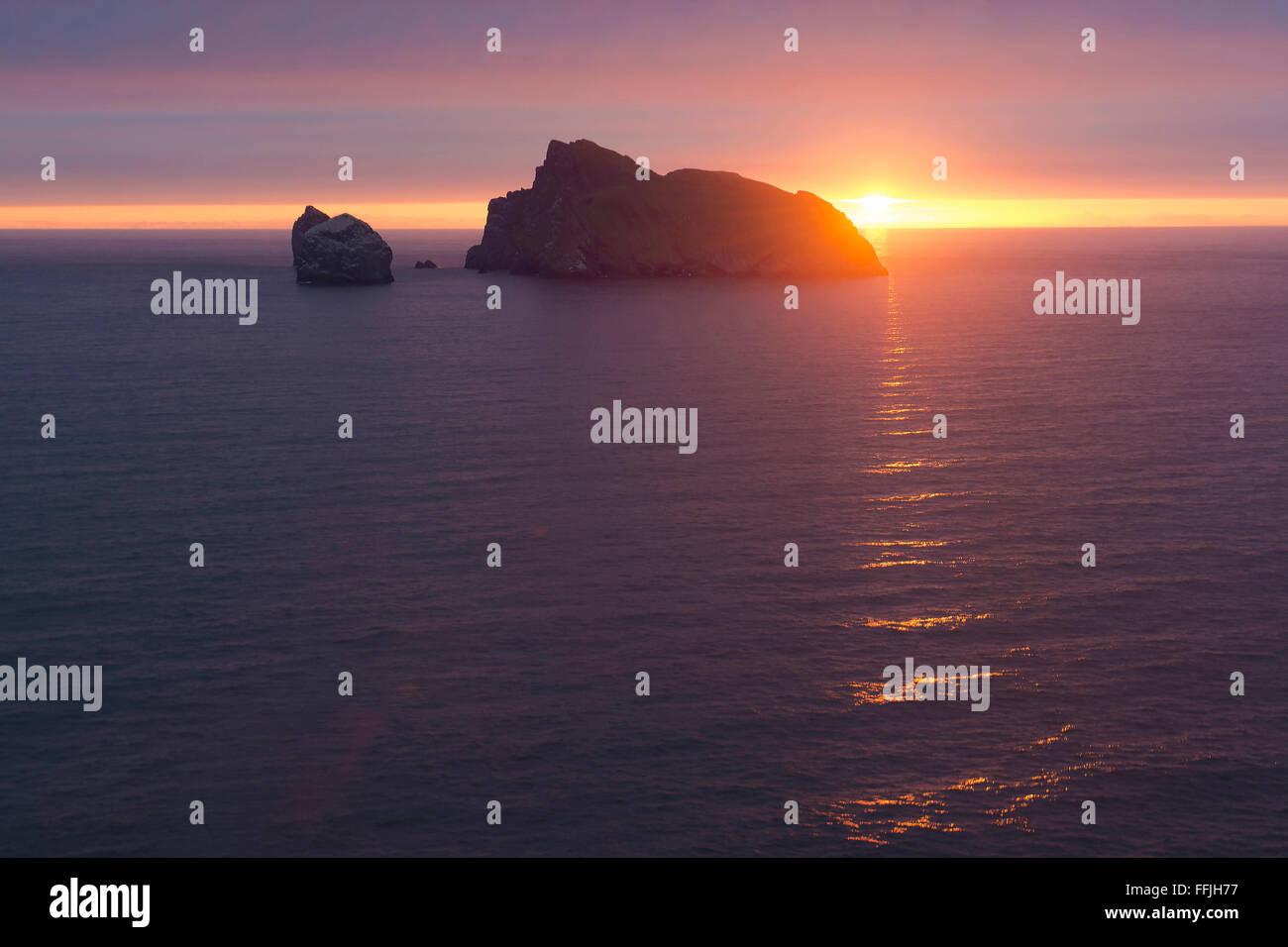 atlantic boreray sunrise dawn st kilda sillouette - Stock Image
