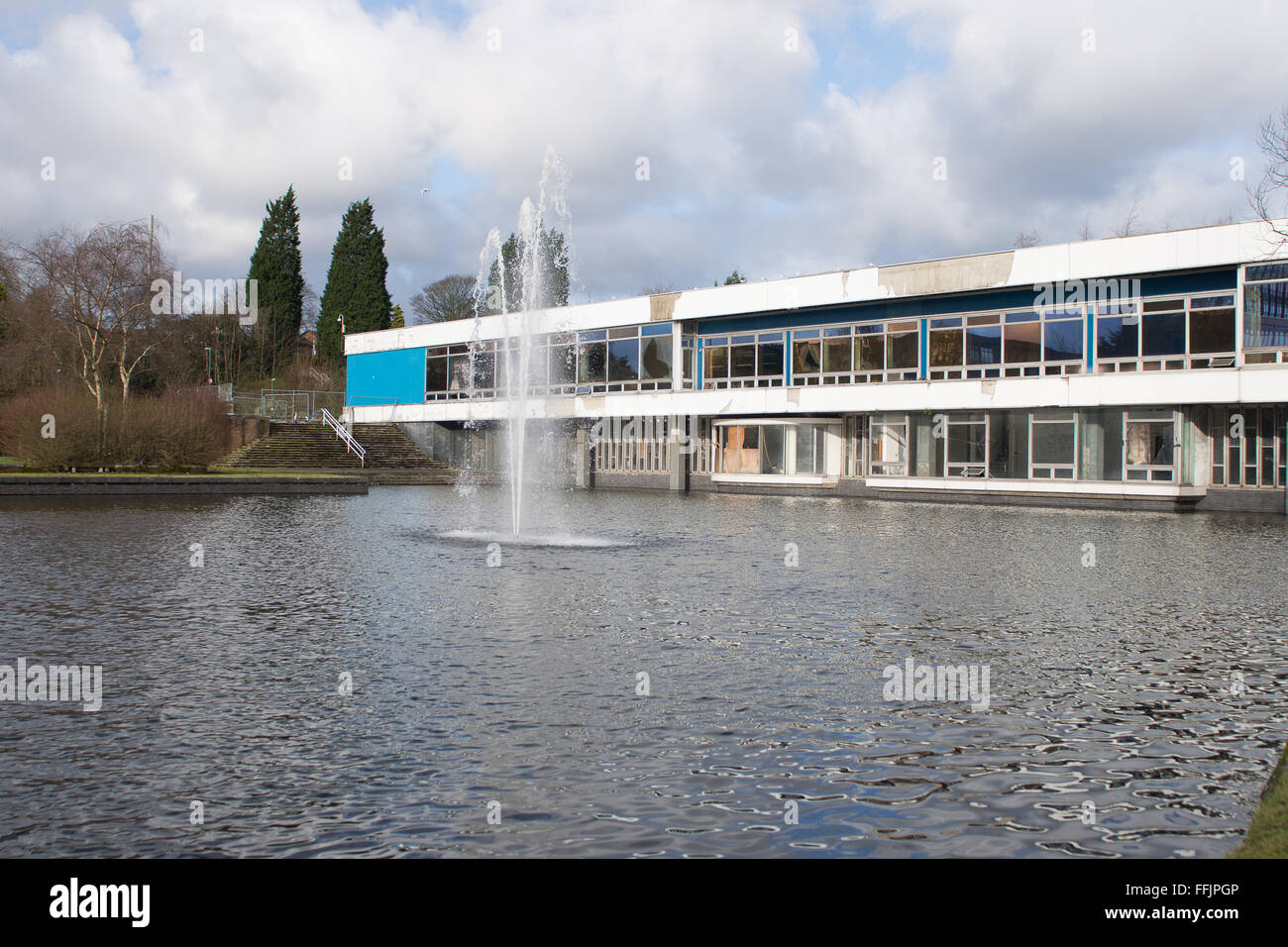 Pilkingtons glass head office in St.Helens Alexandra park - Stock Image