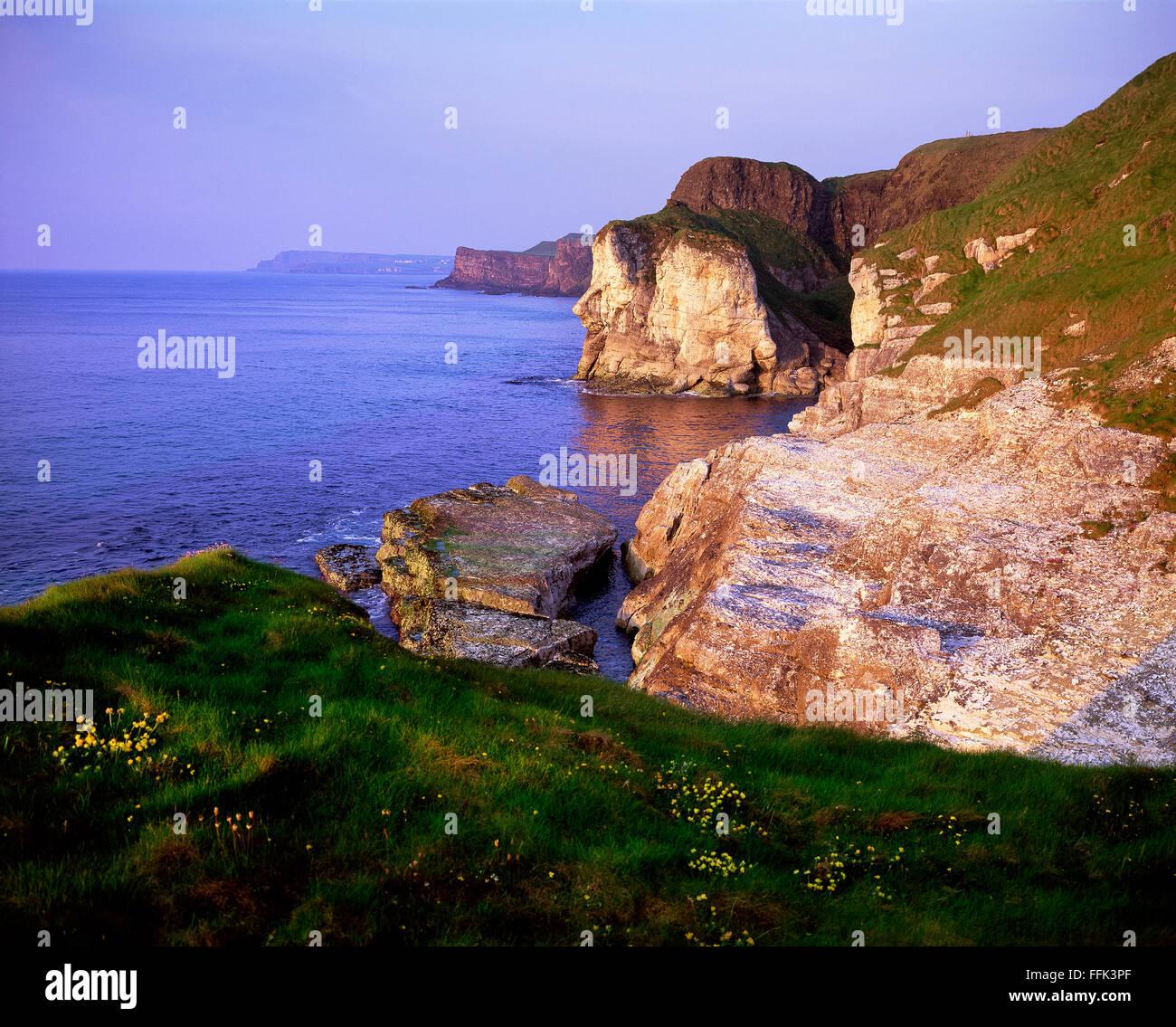 Sunset at Whiterocks Portrush North coast Causeway Giant's head Northern Ireland - Stock Image