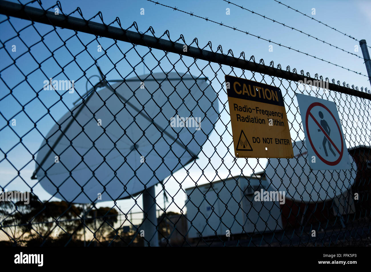 Sign On Wire Fence Stock Photos & Sign On Wire Fence Stock Images ...