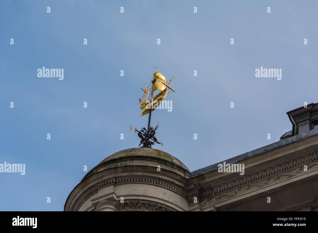 Brass ship and weathervane on the Lloyd's Register of Shipping building at 71, Fenchurch Street, London, UK. - Stock Image