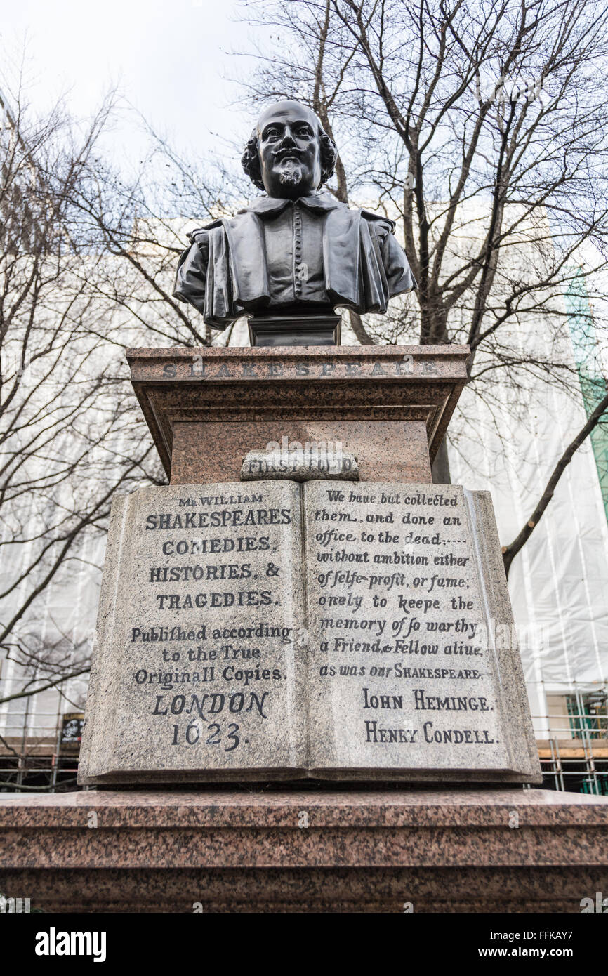 Sculpture of William Shakespeare (1564 - 1616) the famous English playwright, poet and actor. - Stock Image