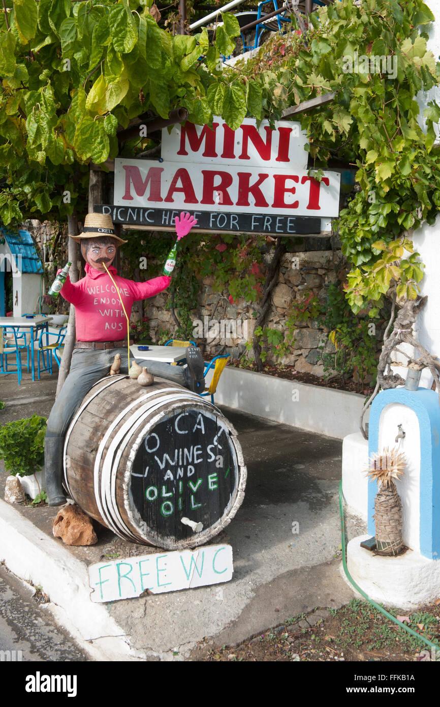 Griechenland, Kreta, Ireapetra, Werbung vor Supermarkt Stock Photo