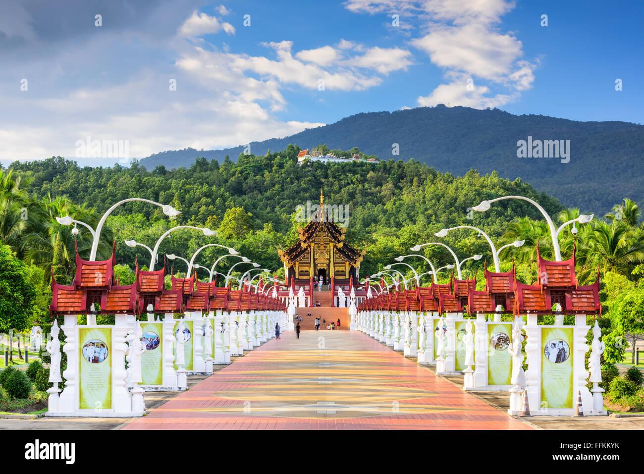 CHIANG MAI, THAILAND - OCTOBER 15, 2015: Walkway to the Pavilion of Royal Flora Ratchaphruek Park. - Stock Image