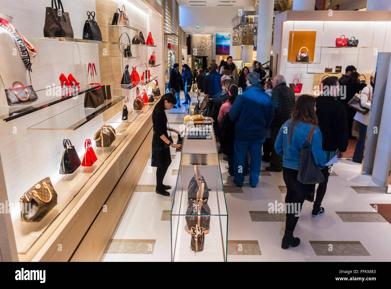 Fashion style Luxury stocks look up to LVMH: the French group sets an upbeat tone for the industry for woman