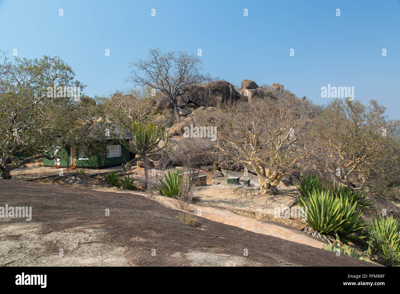 One of the tourist chalets in the Matopos National Park main camp - Maleme Camp - Stock Image