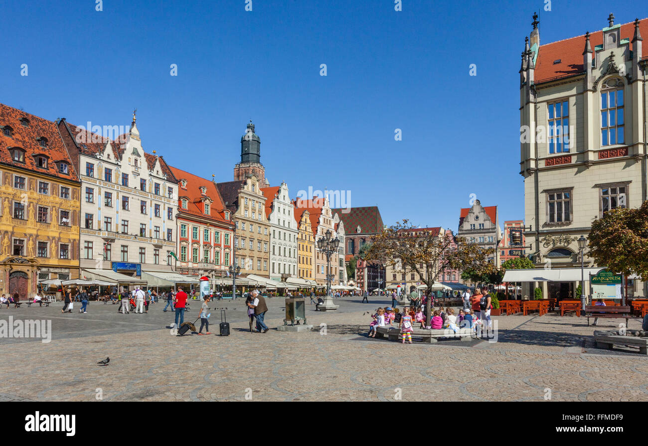 Poland, Lower Silesia, Wroclaw (Breslau), cobbled Wroclaw medieval Market Square is now the heart of a pedestrian - Stock Image