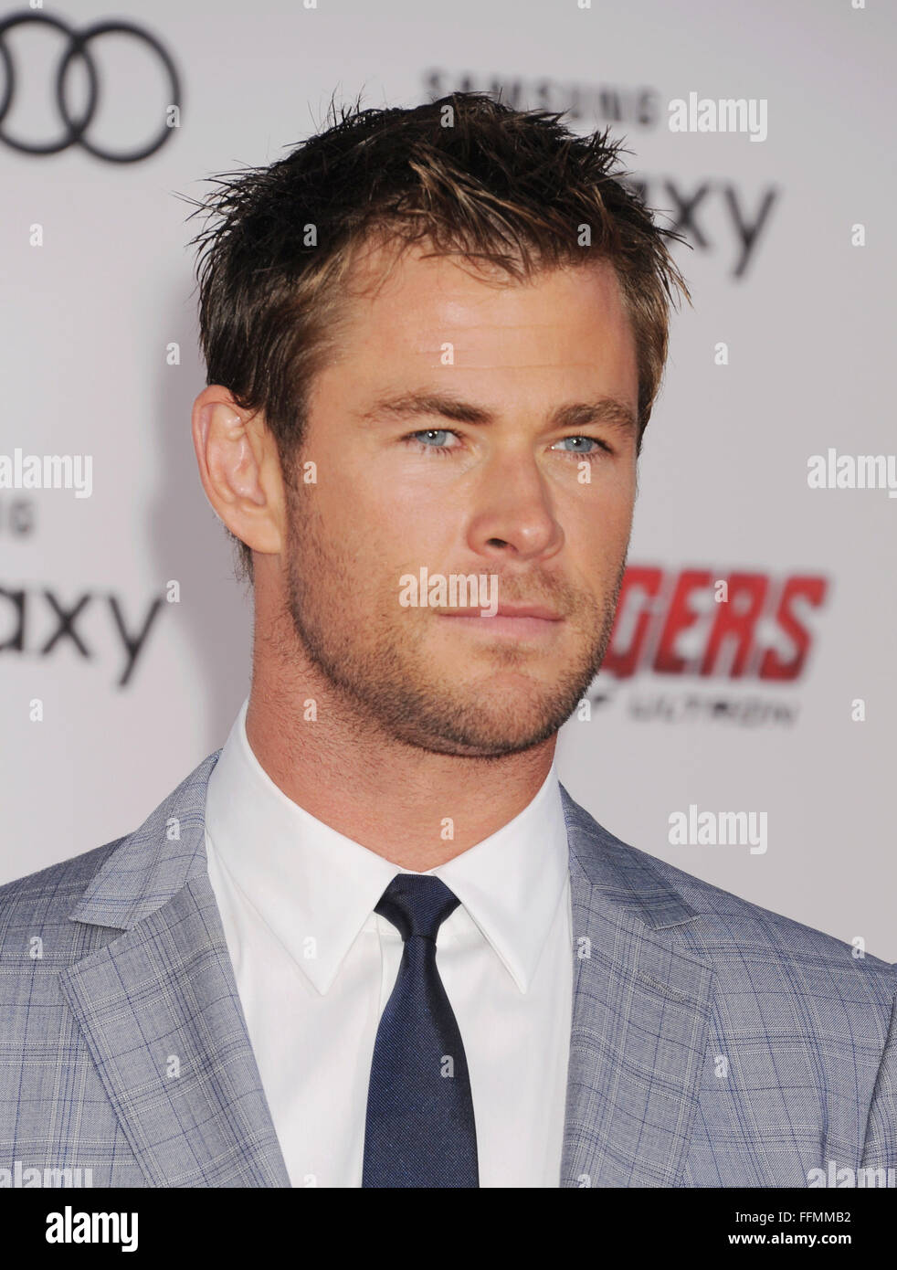 """Actor Chris Hemsworth arrives at the Marvel's """"Avengers: Age Of Ultron"""" - Los Angeles Premiere at Dolby Theatre Stock Photo"""