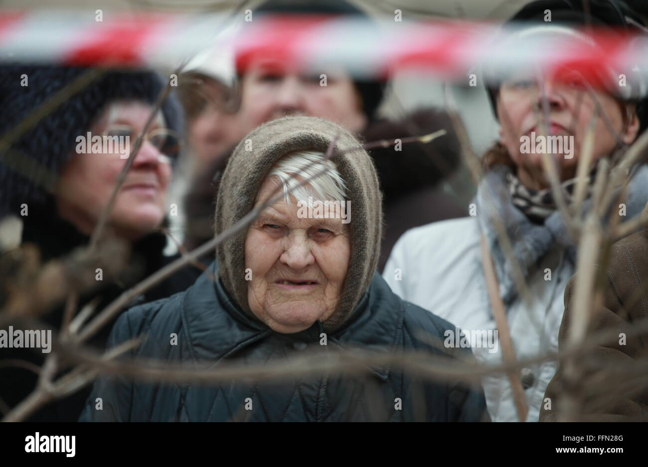 Yaroslavl, Russia. 16th February, 2016. People outside the sealed off area around the site of a blast in a block - Stock Image