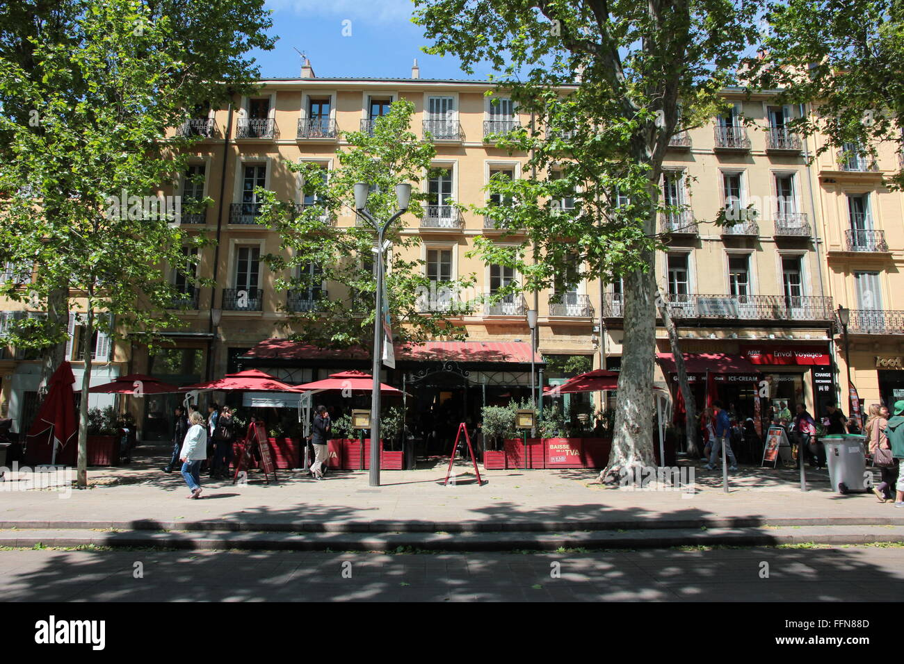 geography / travel, France, Aix-en-Provence,   Cafe at Cours Mirabeau, , Additional-Rights-Clearance-Info-Not-Available - Stock Image