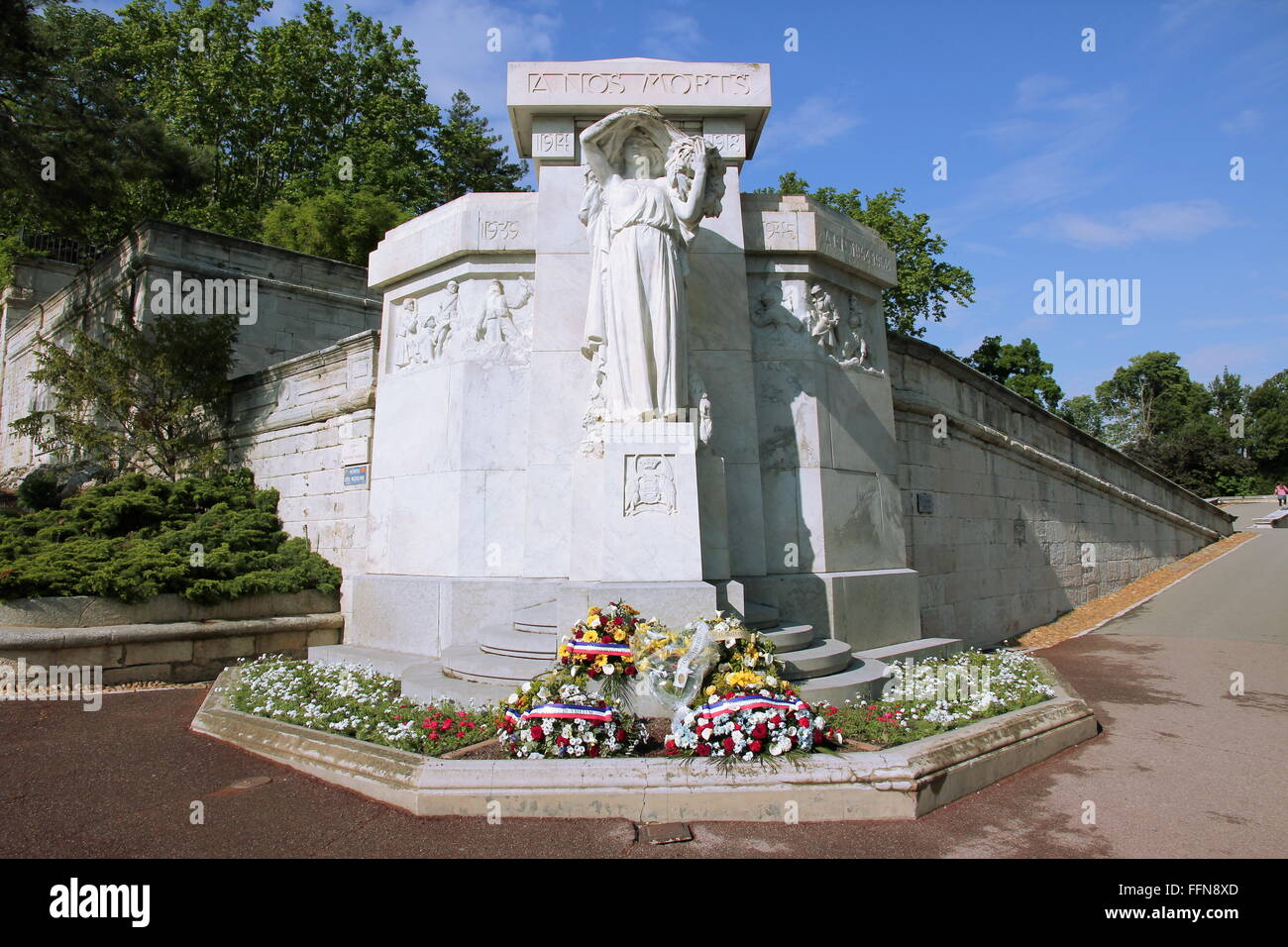 geography / travel, France, Avignon, A Nos Morts, memorial for the victims of the 1st and 2nd World War and the - Stock Image