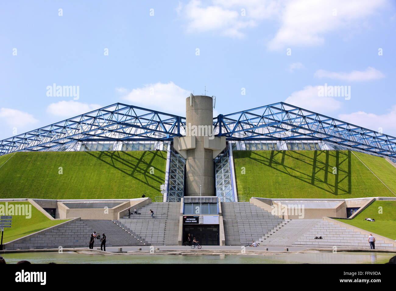 geography / travel, France, Paris, Maison du Cinéma, La Cinematheque francaise, built: 1988 - 1994 by Frank - Stock Image