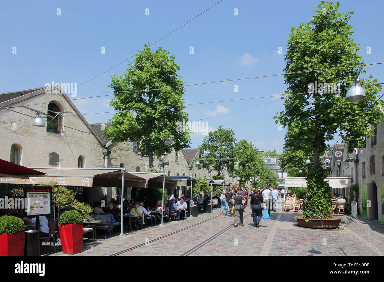 geography / travel, France, Pairs, Bercy Village, Cour Saint-Emilion, , Additional-Rights-Clearance-Info-Not-Available - Stock Image