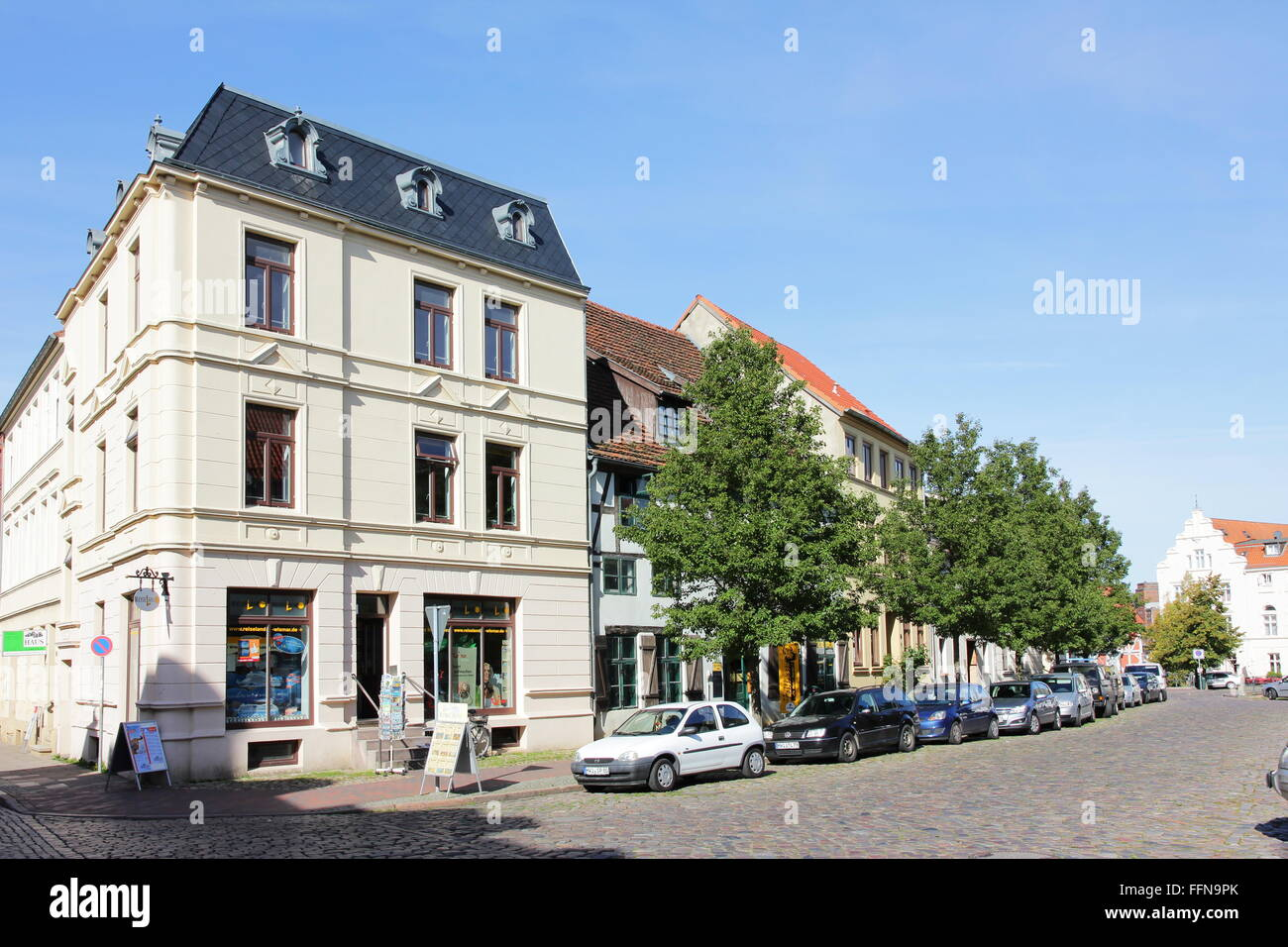geography / travel, Germany, Mecklenburg-West Pomerania, Wismar, Ziegenmarkt, street in historic city centre, Additional Stock Photo