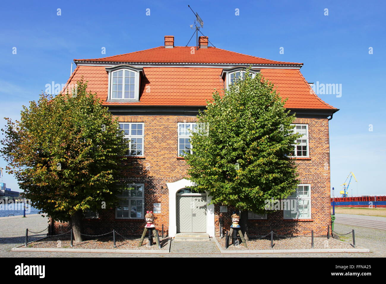 geography / travel, Germany,Mecklenburg-West Pomerania, Wismar, Am Hafen, Tree House, Additional-Rights-Clearance - Stock Image