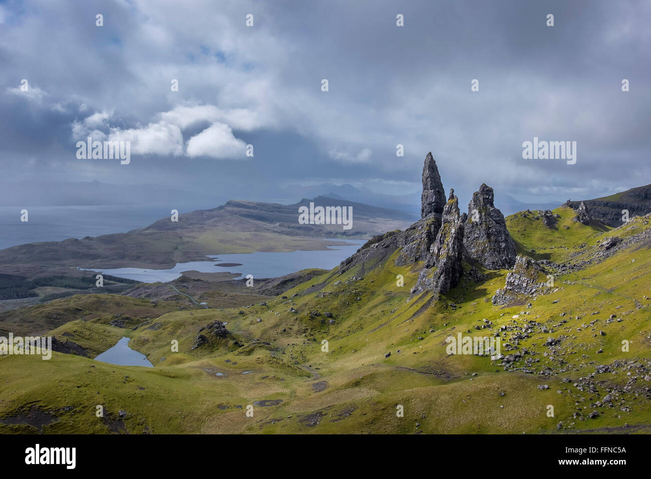 old man of storr at the needle showing geology of landslip on cloudy day - Stock Image