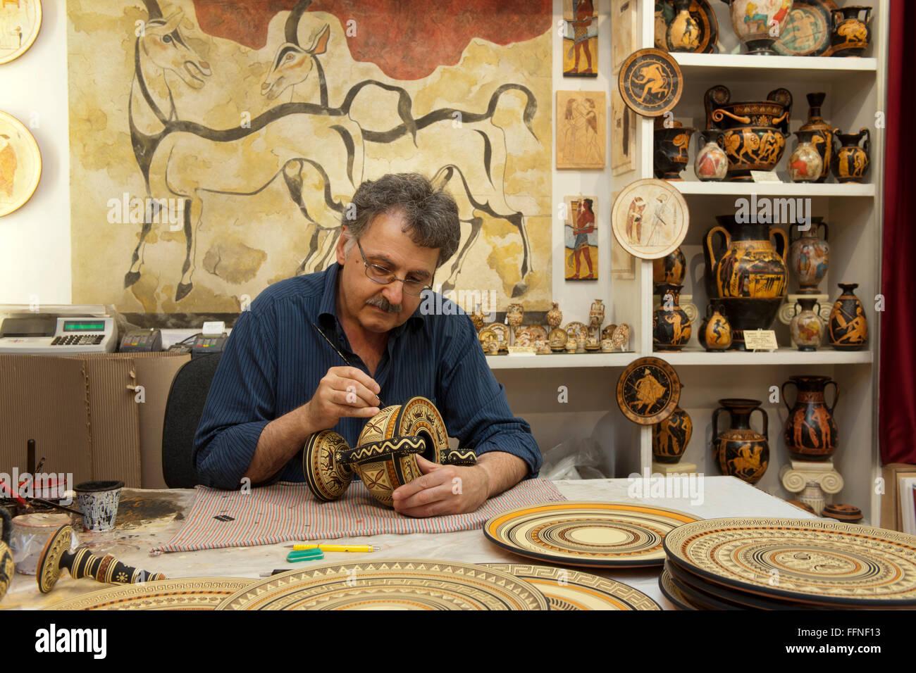 Griechenland, Kreta, Agios Nikolaos, Atelier Ceramica - Stock Image