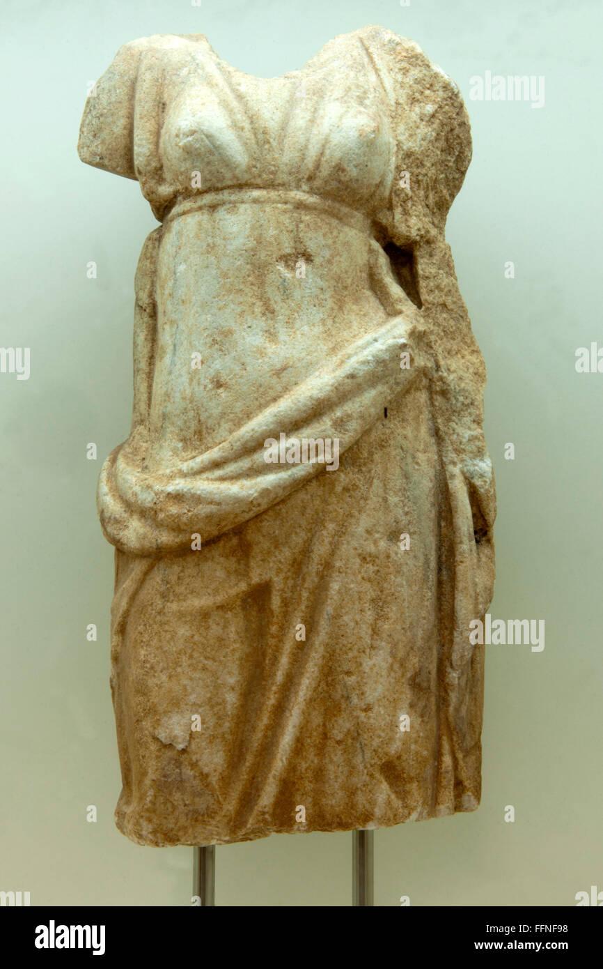 Griechenland, Kreta, Agios Nikolaos, Archäologisches Museum,  Frauenstatue - Stock Image