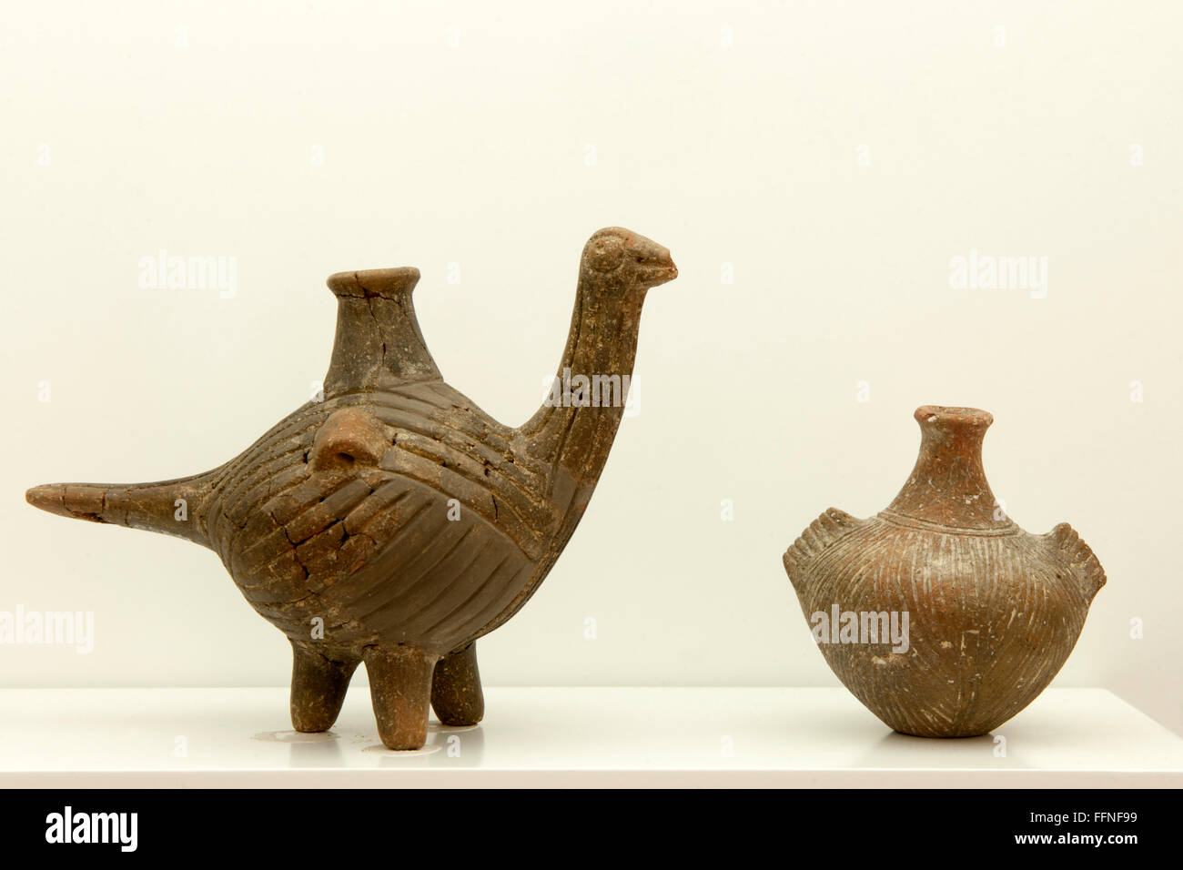 Griechenland, Kreta, Agios Nikolaos, Archäologisches Museum,  Vasen - Stock Image