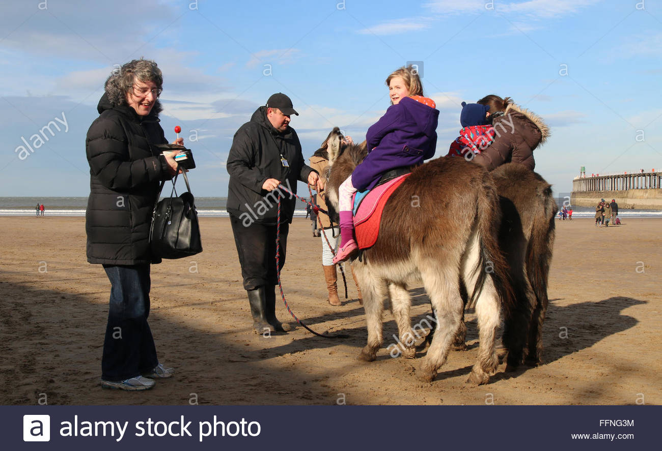 Whitby, North Yorkshire, UK. 16th February 2016 Half term school holidays for some children and the low temperatures Stock Photo