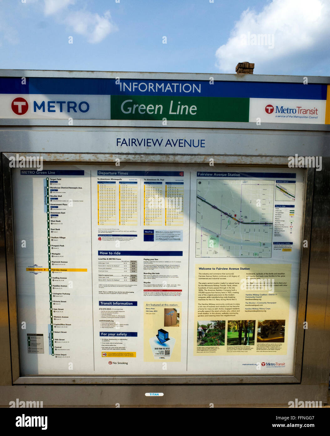 Schedule and map of Green Line Metro Transit Light Rail Train traveling between St Paul & Minneapolis. St Paul - Stock Image