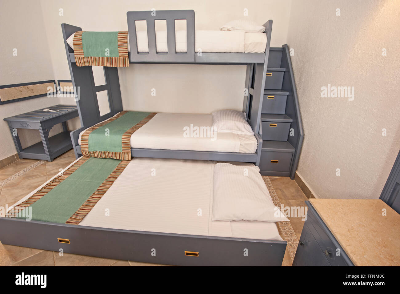 Space Saving Bunk Beds In Family Bedroom Storage Concept Idea With