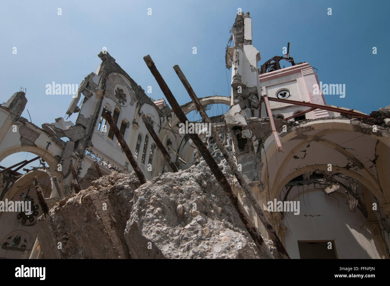 haiti 7 0 magnitude earthquake that hit Frantic rescue efforts are underway to free people trapped in the rubble after a massive 70 magnitude earthquake hit the caribbean nation of haiti.