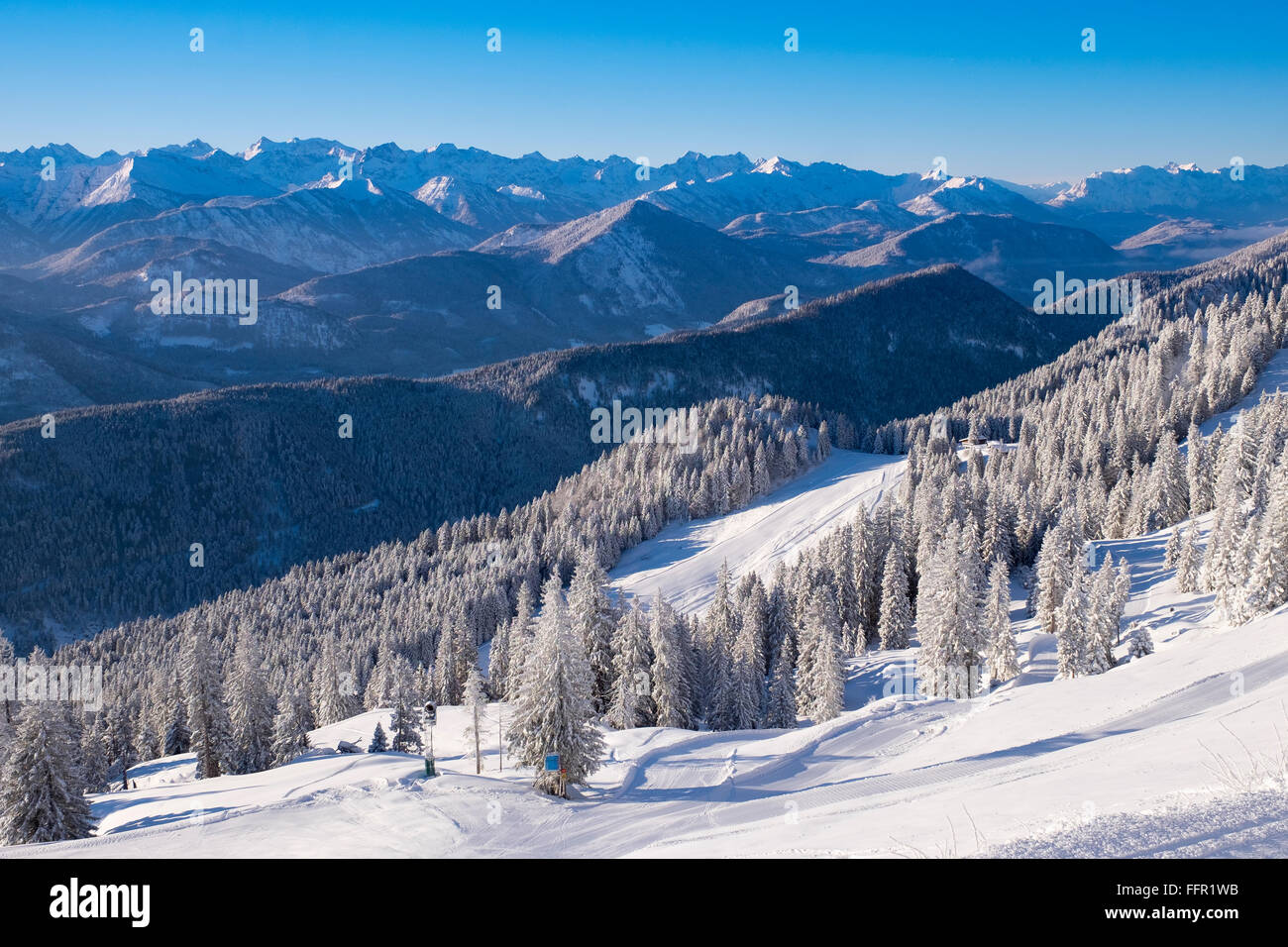 Ski resort Brauneck, view towards Karwendel, Lenggries, Isarwinkel, Bavarian Prealps, Upper Bavaria, Bavaria, Germany - Stock Image