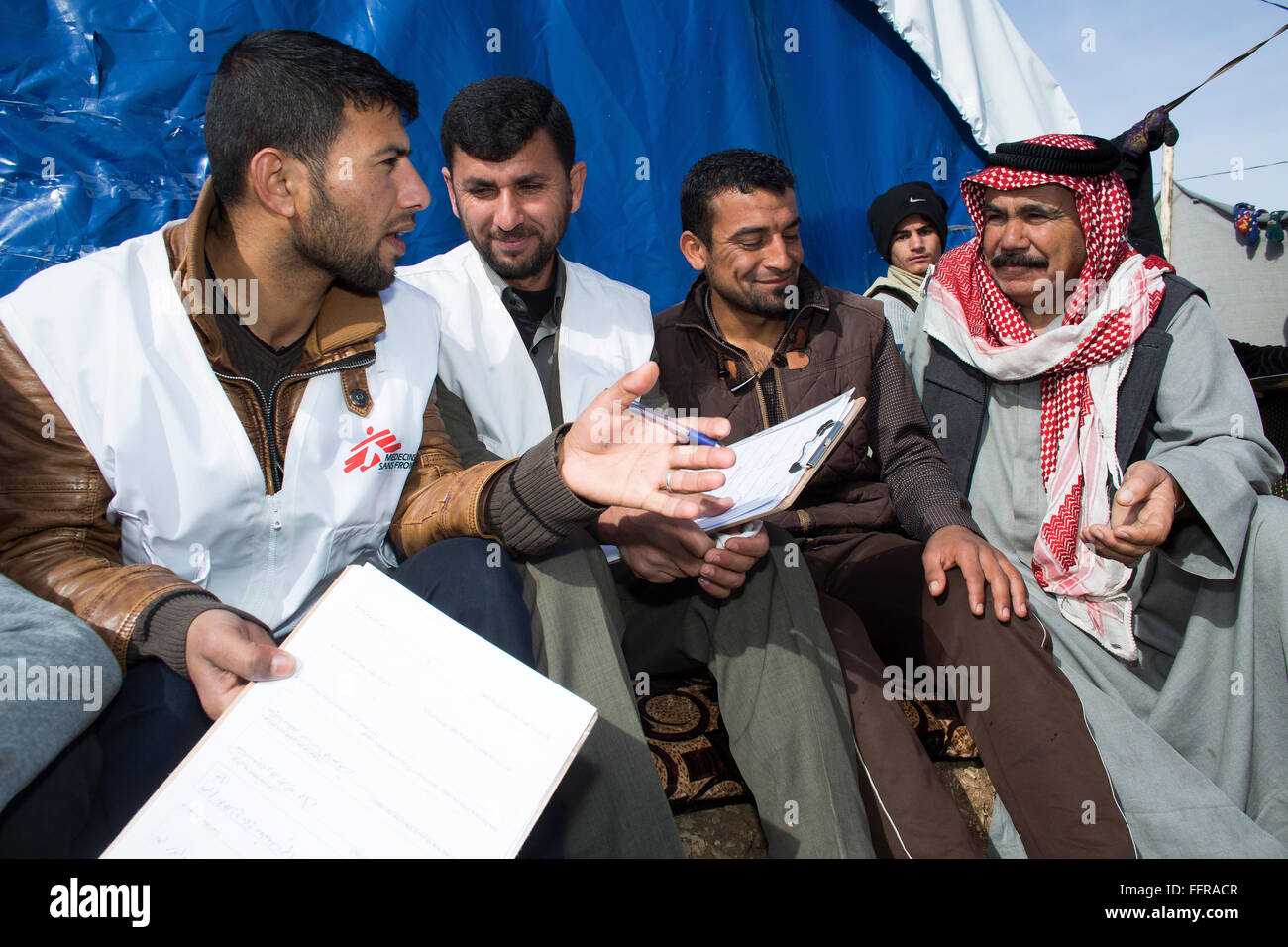 MSF Health promoters at work in Arbat refugee kamp, Northern Iraq - Stock Image