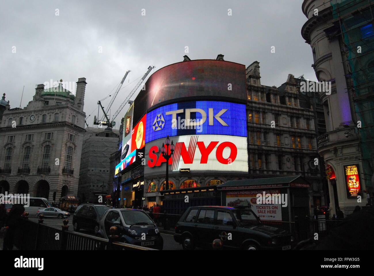 London -  07/05/2009  -  United Kingdom / England / London  -  Picadilly Circus   -  Sandrine Huet / Le Pictorium - Stock Image