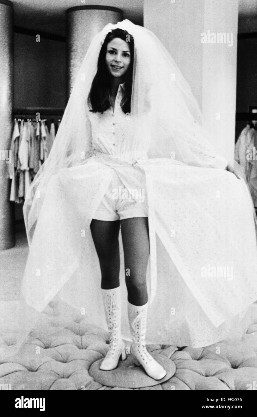Hot Pants Wedding Gown Na Hot Pants Wedding Gown With Lace Boots