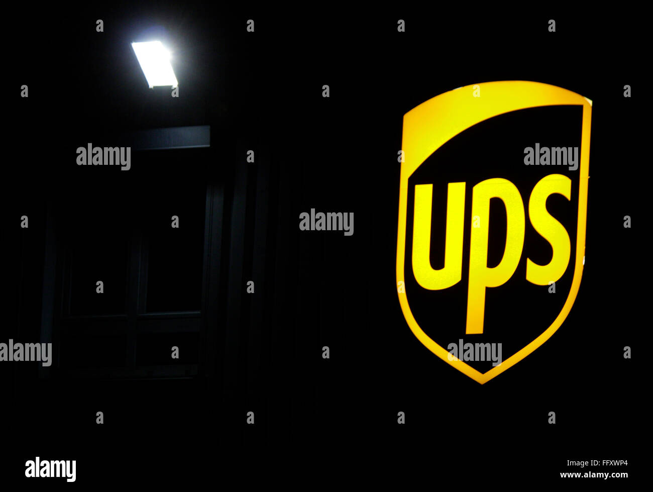 Markenname: 'UPS United Parcel Service', Berlin. - Stock Image