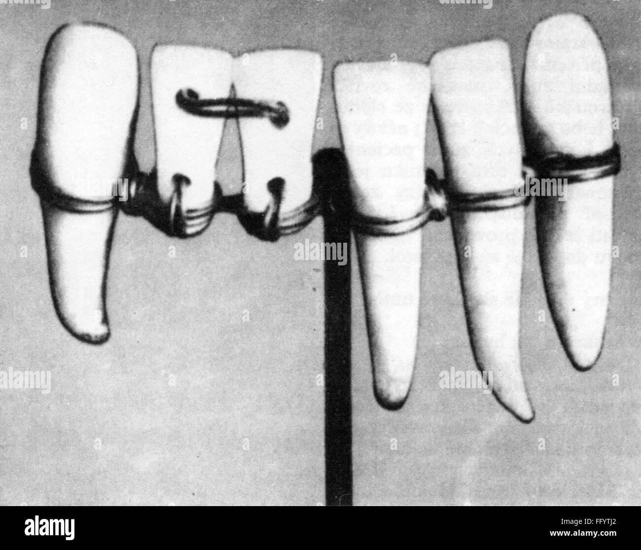 medicine, dentistry, denture, 19th / 20th century, 19th century, 20th century, tooth, prosthesis, prostheses, set - Stock Image