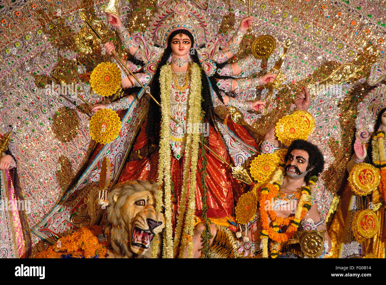 Demon Alamy Goddess Bengal Photo 95894992 Stock Navaratri Navratri Durgotsav Killing - Durga At