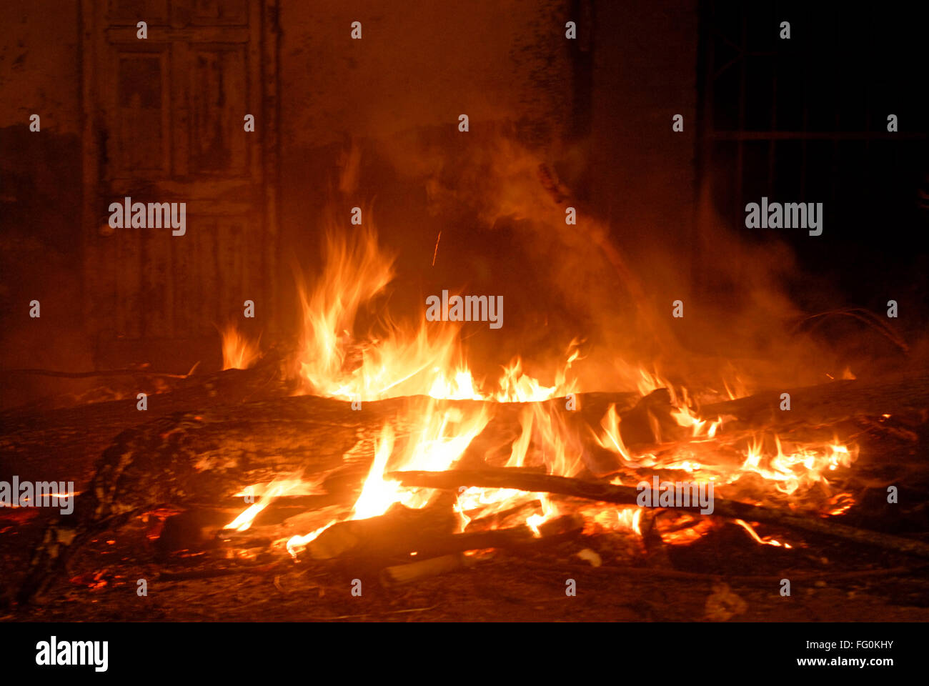 huge fire stock photos huge fire stock images alamy