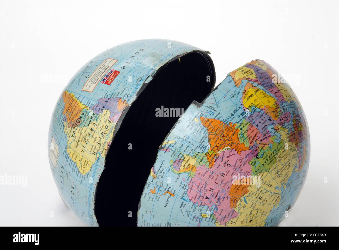 Globe world map broken world due to global warming - Stock Image