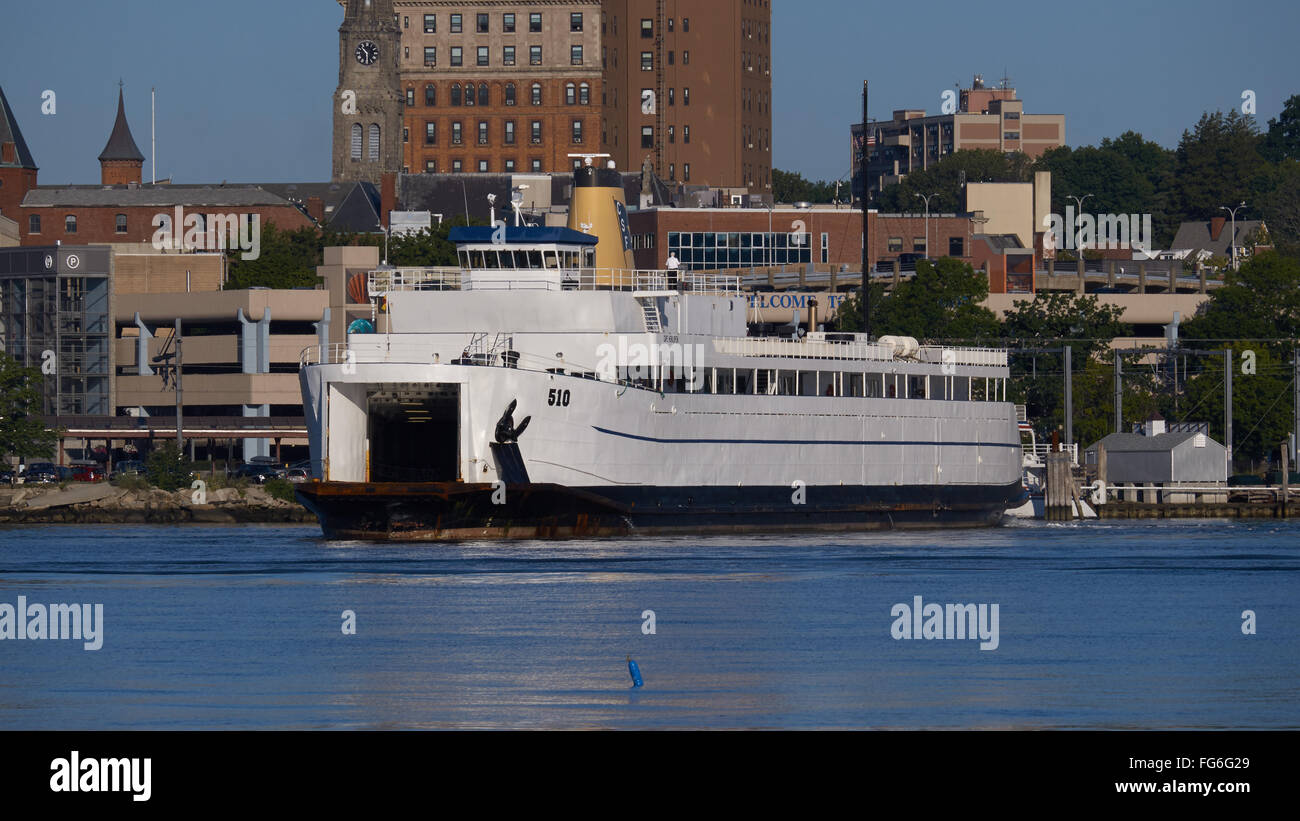 Cross Sound ferry leaves New London Connecticut for Orient Point Long Island. - Stock Image