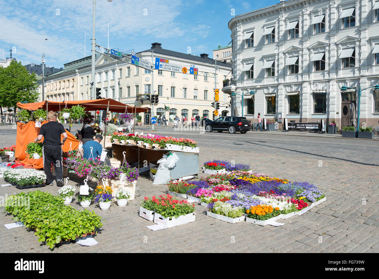 Flower stall, Kauppatori Market Square, Helsinki, Uusimaa Region, Republic of Finland - Stock Image