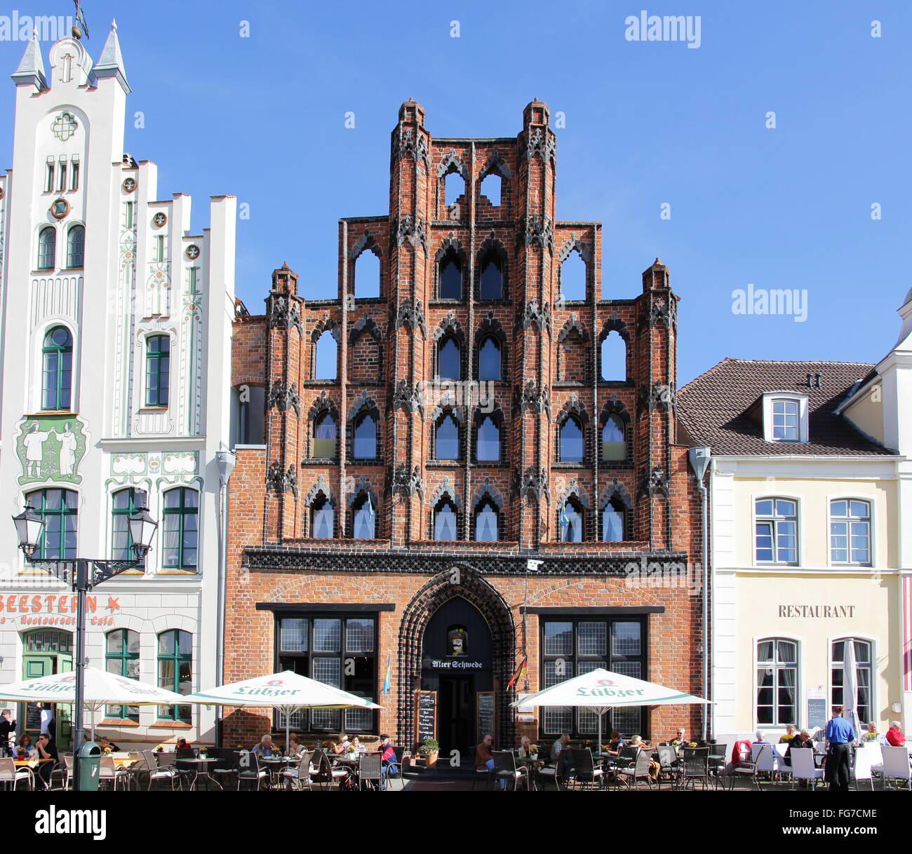 geography / travel, Germany, Mecklenburg-West Pomerania, Wismar, buildings, Am Markt, 'Alter Schwede' (building), - Stock Image