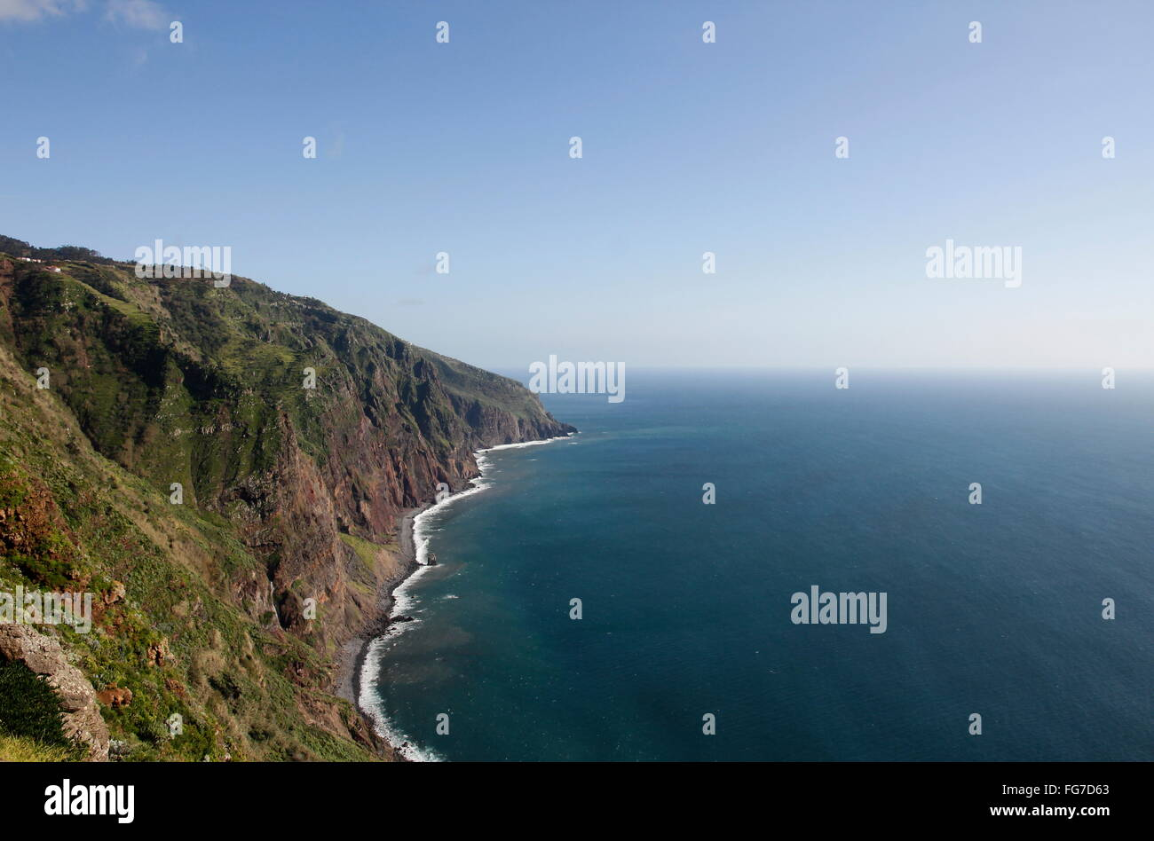 geography / travel, Portugal, Madeira, Ponta do Pargo, Atlantic Ocean, steep coast, Additional-Rights-Clearance - Stock Image