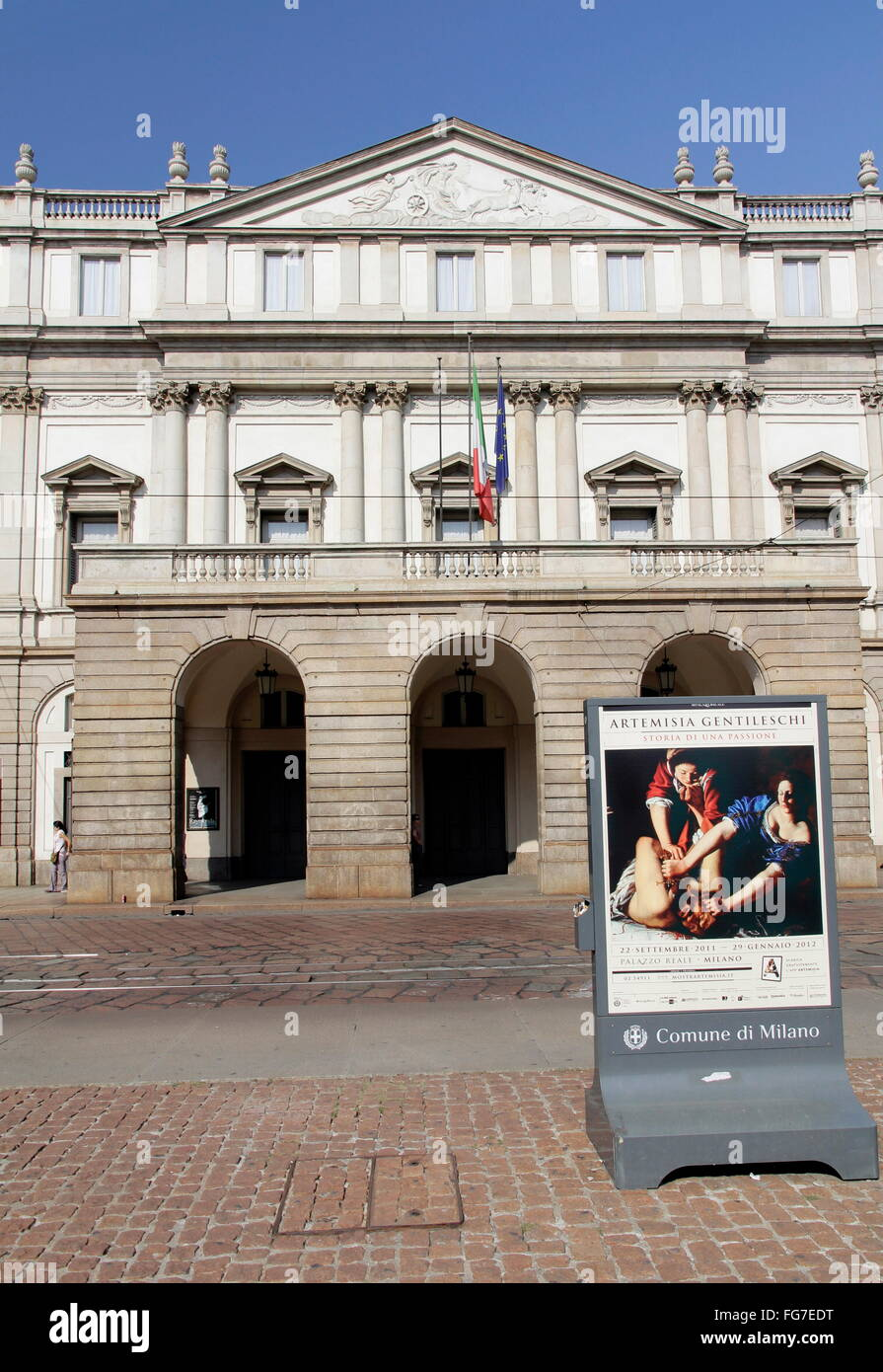 geography / travel, Italy, Lombardy, Milan, Piazza del Scala, La Scala, Additional-Rights-Clearance-Info-Not-Available - Stock Image