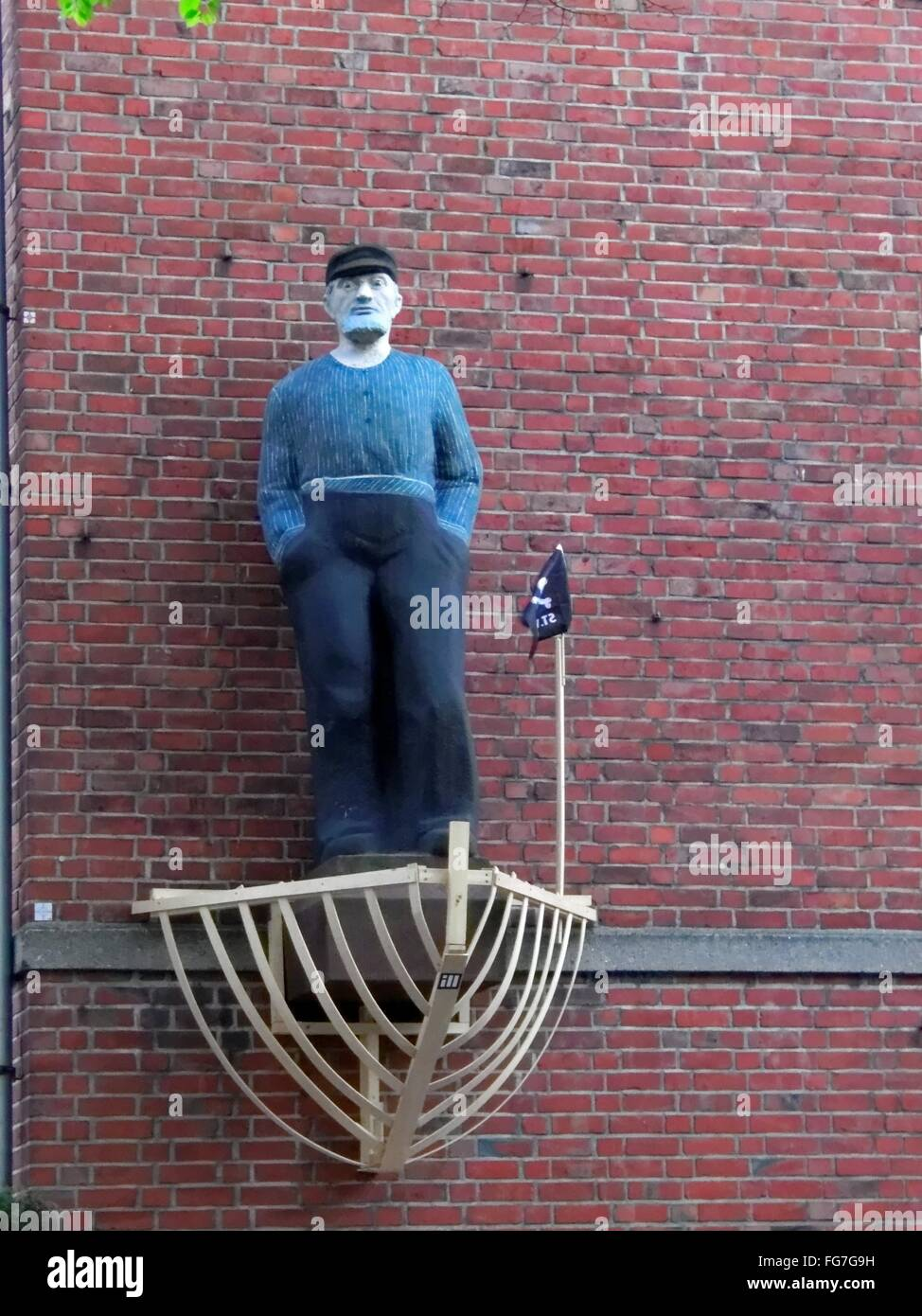 geography / travel, Germany, Hamburg, St. Pauli, Kastanienallee, figure of a docker at a exterior wall, , Additional - Stock Image