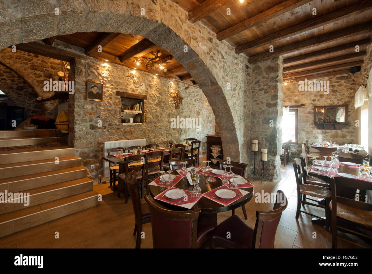 Griechenland, Kreta, Lassithi-Hochebene, Agios Konstantinos, Restaurant Vilaeti - Stock Image