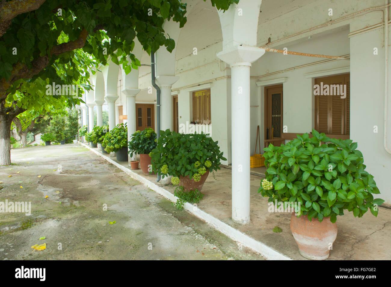 Griechenland, Kreta, Lassithi-Hochebene, Agios Konstantinos, Kloster Kroustallenia - Stock Image