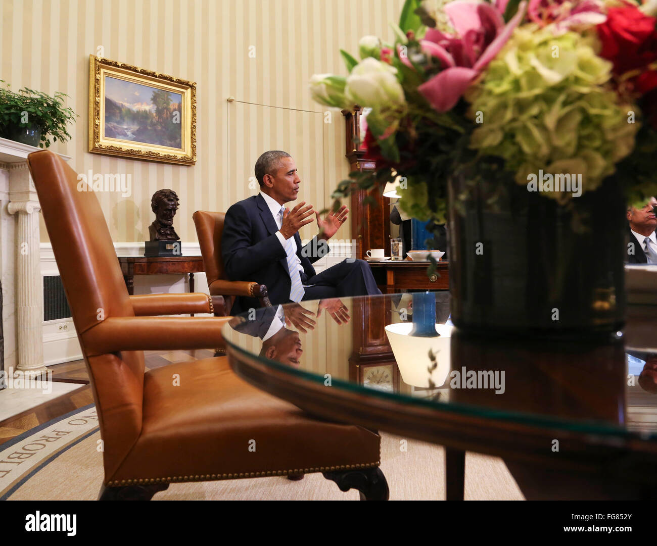 United States President Barack Obama meets with former National Security Advisor Tom Donilon (unseen) and former - Stock Image