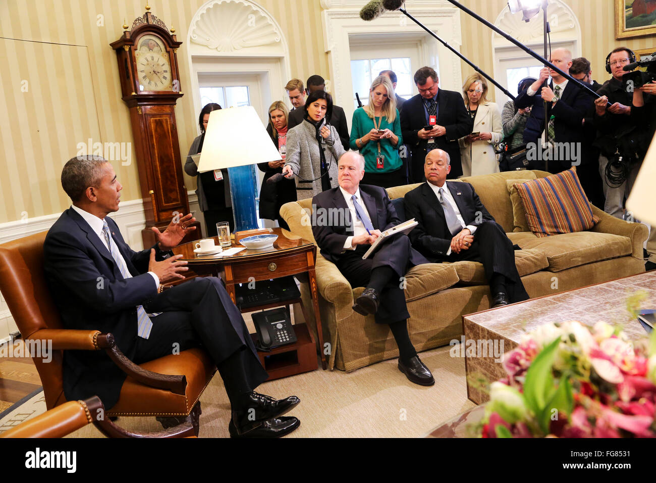 United States President Barack Obama meets with former National Security Advisor Tom Donilon (C) and former IBM - Stock Image