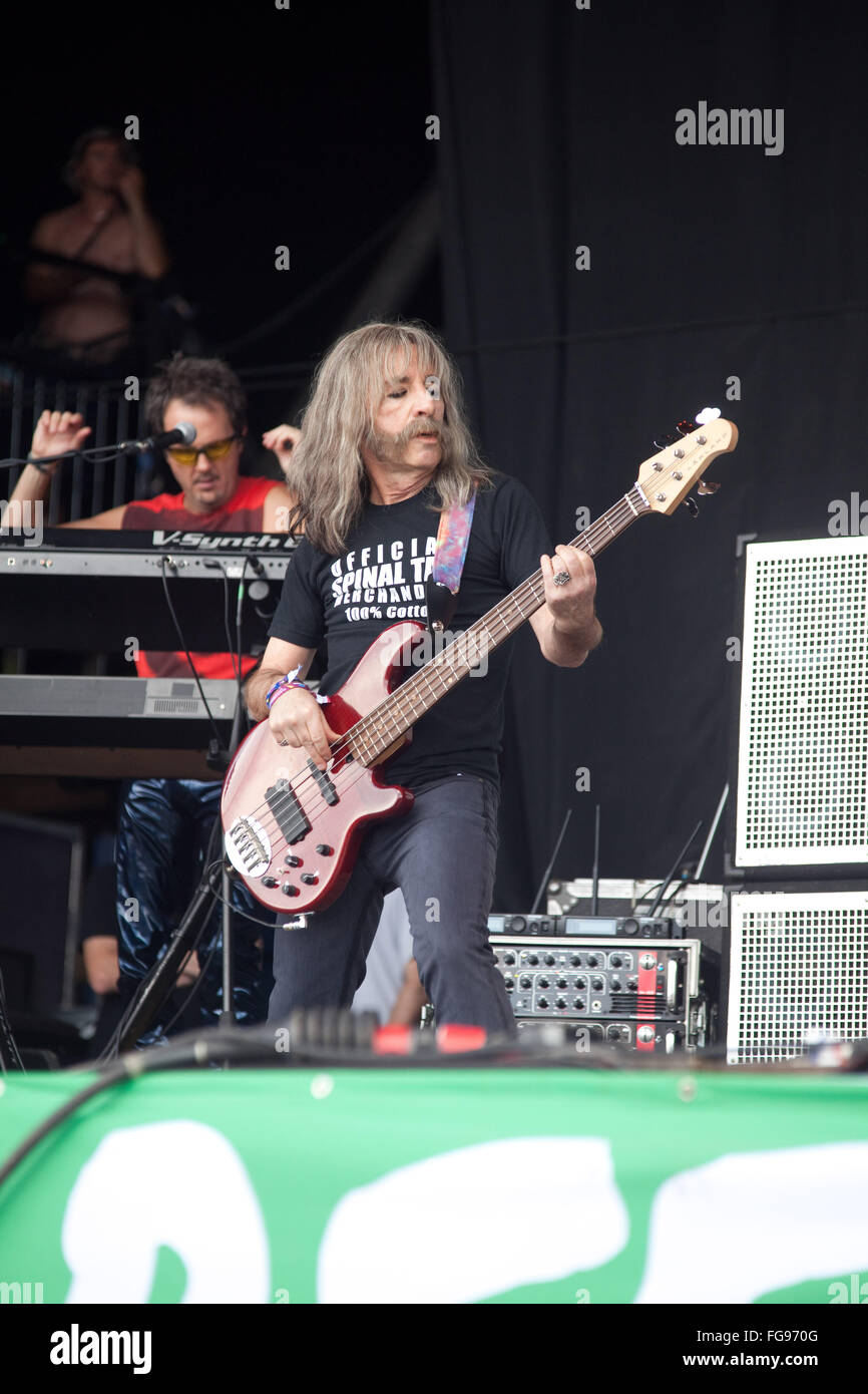 Spinal Tap performing on the Pyramid stage, Glastonbury Festival 2009, Somerset, England, United Kingdom. - Stock Image