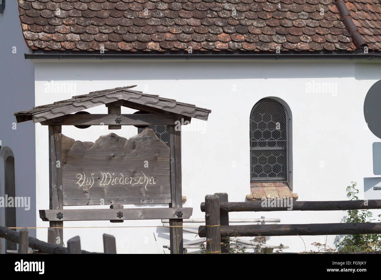 geography / travel, Germany, Bavaria, chapel at the Pilgrimage Church of Wies, 'Auf Wiedersehen' signboard, - Stock Image