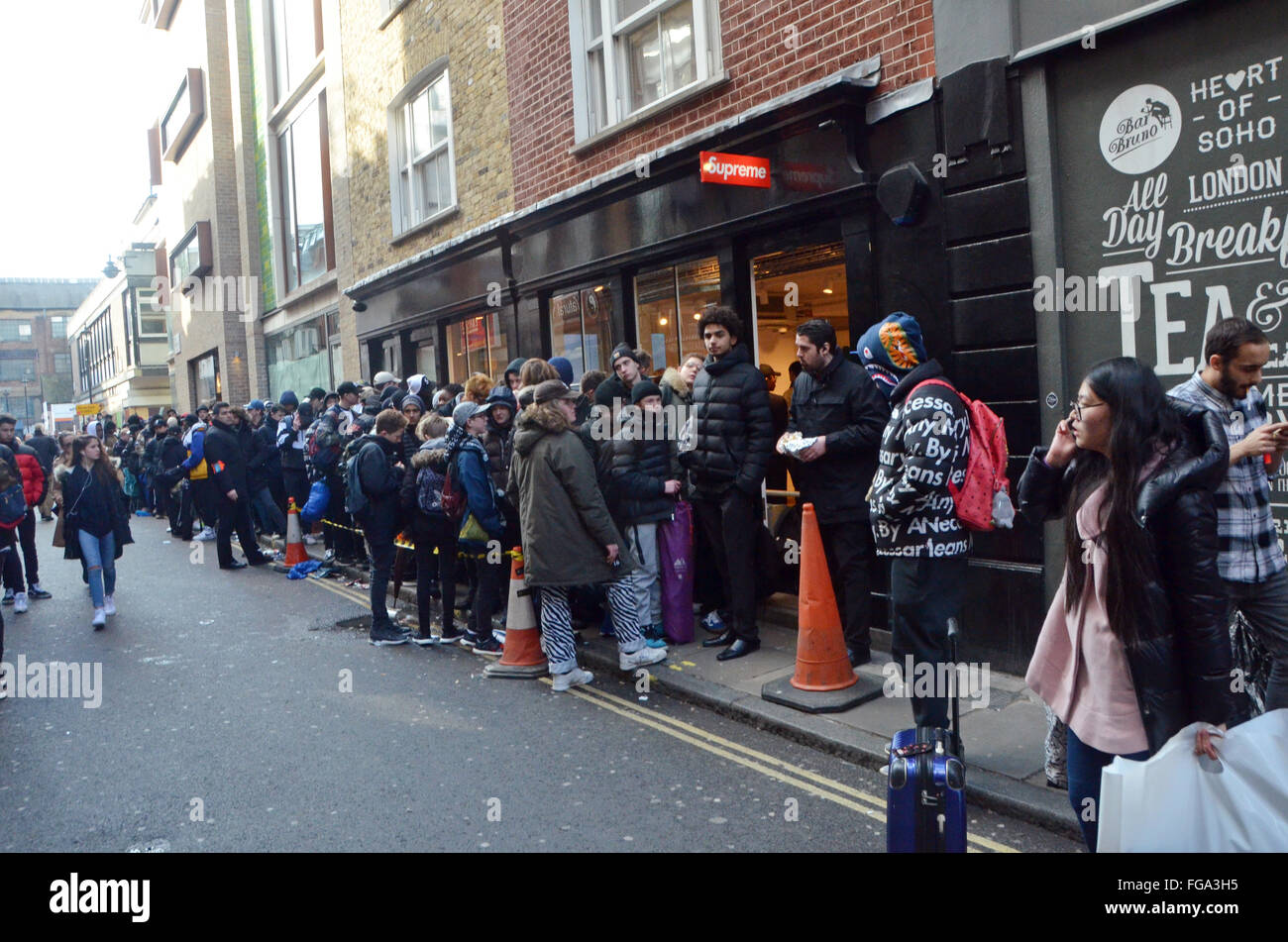 Supreme Store Stock Photos   Supreme Store Stock Images - Alamy 000d8b137f